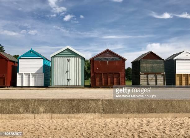 the huts of the beach,poole,united kingdom,uk - プール市 ストックフォトと画像
