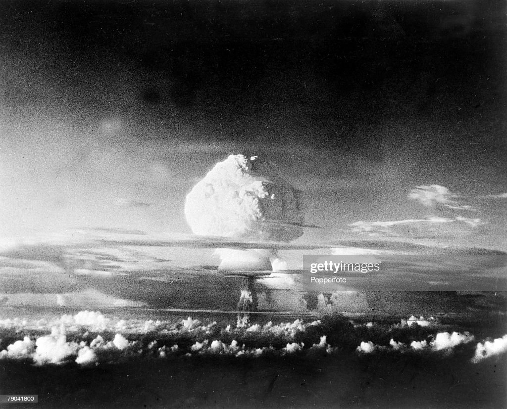 The Hydrogen Bomb. pic: 1952. A picture of the thermo-nuclear device tested by the U.S. at the Elugelab test island in the Marshall Islands . The picture is taken from 50 miles distant and at 12,000 feet shows the early stage of the cloud formation which  : News Photo
