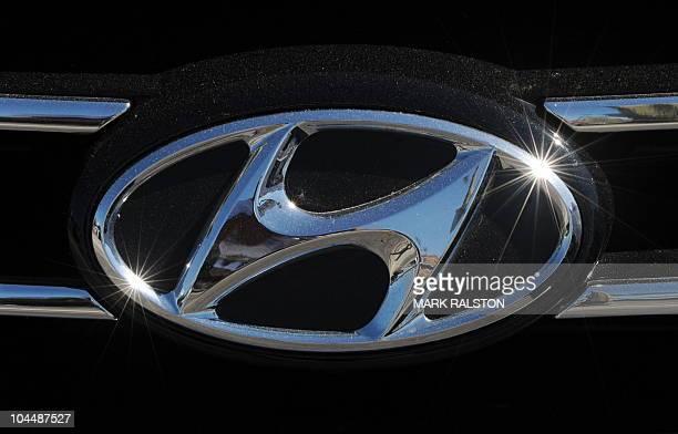 Hyundai Dealership Los Angeles >> The Hyundai Emblem At A Hyundai Dealership In Los Angeles On News