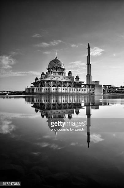 the iconic mosque and beautiful architecture - floating mosque stock pictures, royalty-free photos & images