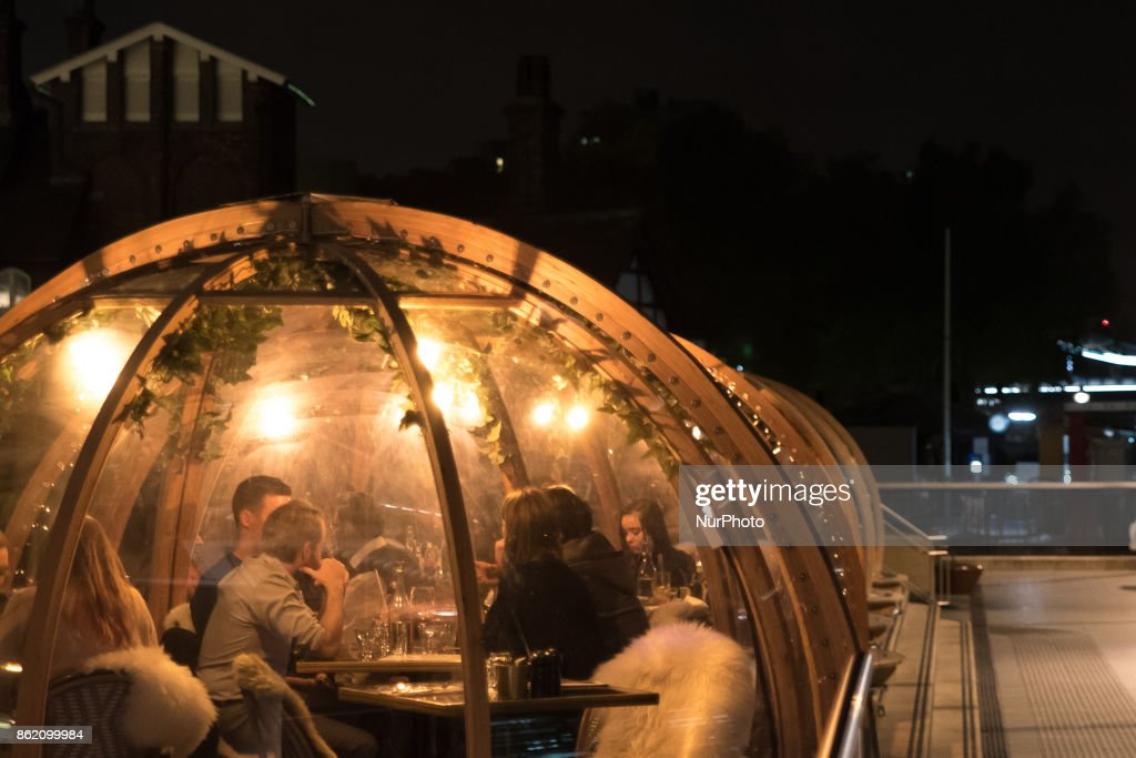 Mixing inside and outside, pop up igloos are back for exclusive Thames-side dining near Tower Bridge