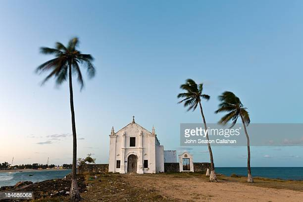 the ilha de moçambique, chapel of santo antonio. - mosambik stock-fotos und bilder