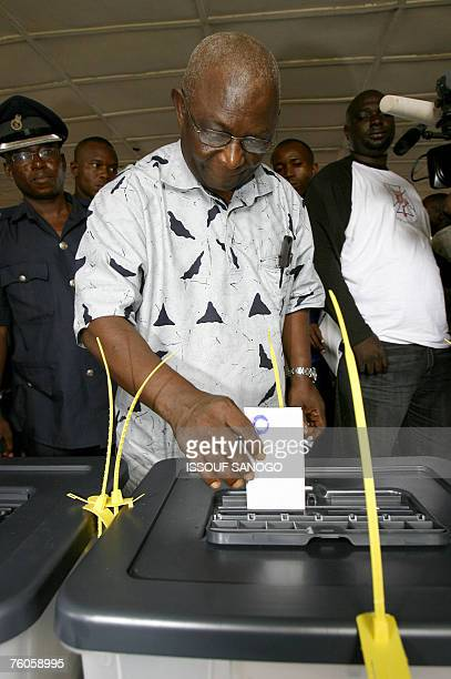 The incumbent vice president and ruling Sierra Leone People's Party presidential candidate Solomon Berewa casts his vote in the first round of...