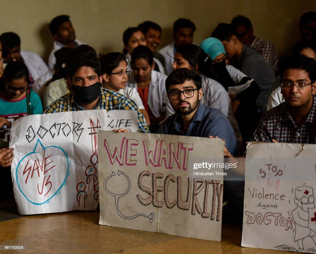 JJ Hospital's Resident Doctors Go On Indefinite Strike
