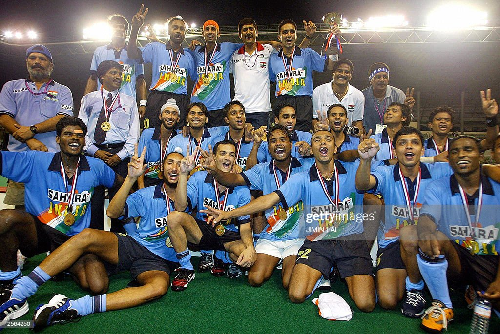 The Indian hockey team poses with their  : News Photo