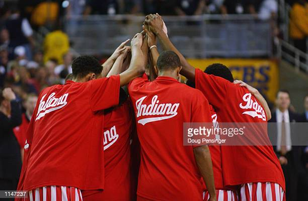 The Indiana Hoosiers huddle before the men's NCAA Basketball National Championship game against the Maryland Terrapins on April 1 2002 at the Georgia...