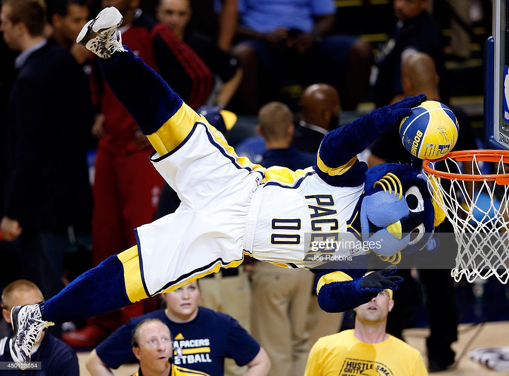 Miami Heat v Indiana Pacers - Game 5 : News Photo