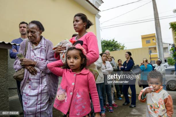 the influenza a (h1n1) vaccination campaign in brazil - plague stock photos and pictures