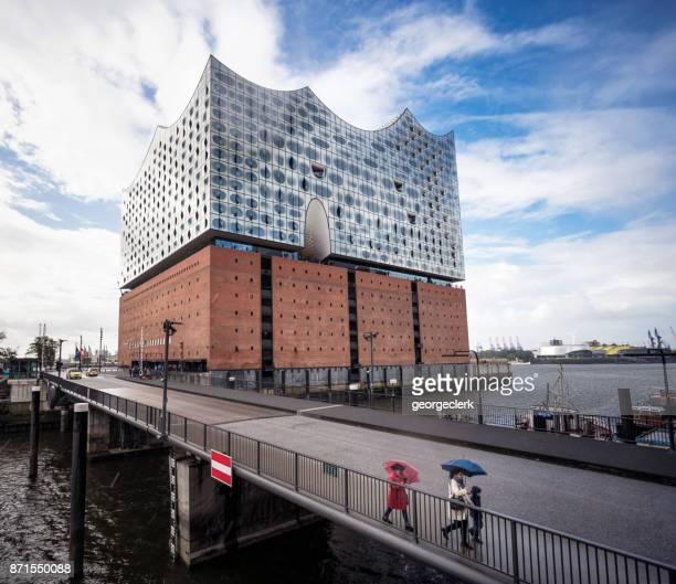 the innovative elbphilharmonie concert hall in hamburg - elbphilharmonie stock pictures, royalty-free photos & images