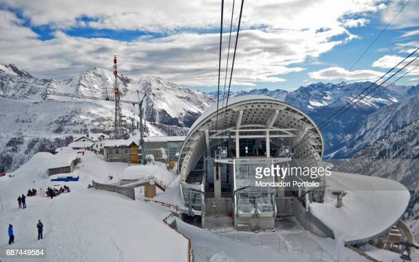 The installation of Pavillon du Mont Frety at 2200 metres of height Courmayeur Italy 24th January 2016