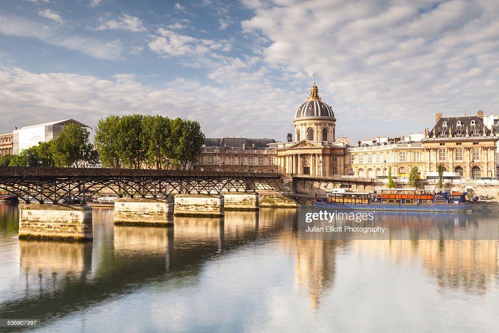 The Institut de France and the Pont des Arts : Stock Photo