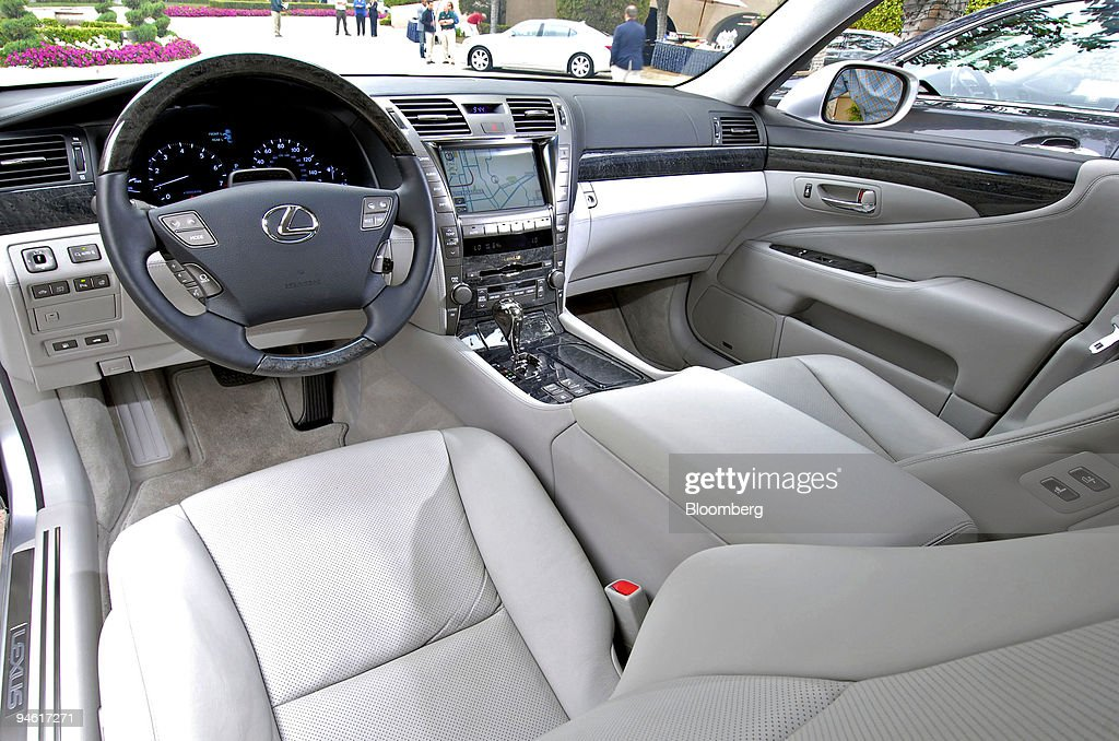 https://media.gettyimages.com/photos/the-interior-of-the-2008-lexus-600h-l-luxury-hybrid-sedan-is-in-picture-id94617271