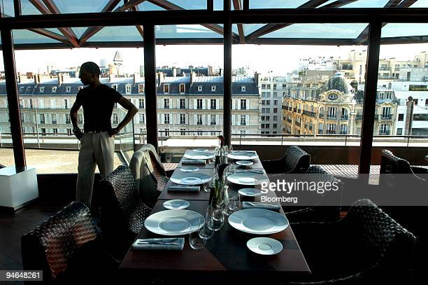 The interior of the Les Ombres restaurant on the roof of the Musee Branly in Paris France Thursday September 28 2006 Diners in Paris can thank French...