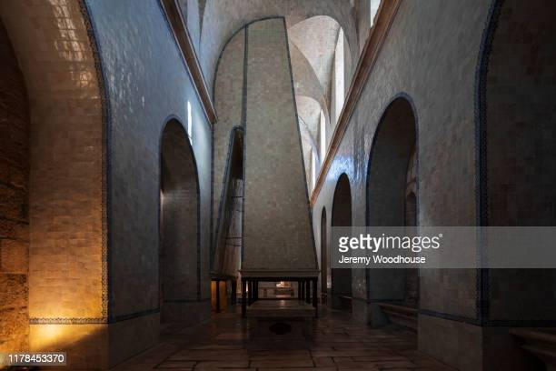 the interior of the massive kitchen at the alcobaça cistercian monastery - jeremy woodhouse stock pictures, royalty-free photos & images