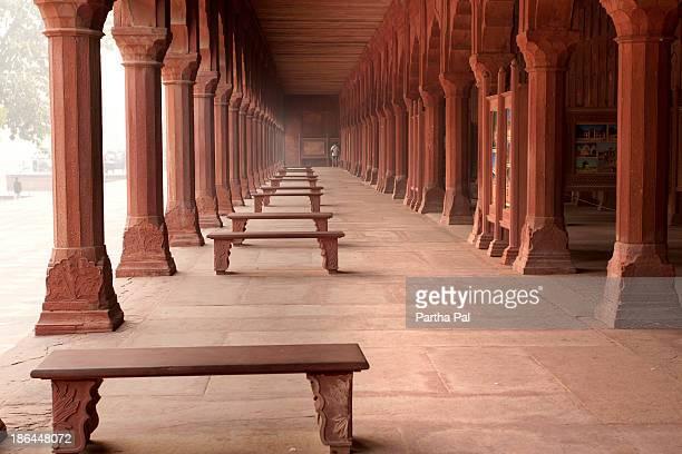 the interiors of taj mahal,india - interior of taj mahal stock pictures, royalty-free photos & images