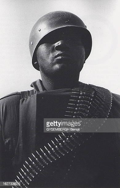 The Islamic Legion Of Gaddafi Leaving Chad Portrait d'un soldat libyen sur l'aéroport de N'Djamena au Tchad en novembre 1981 Dans une annonce...