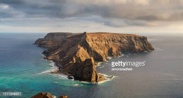 the island of ilhéu da cal in porto santo - geology stock pictures, royalty-free photos & images