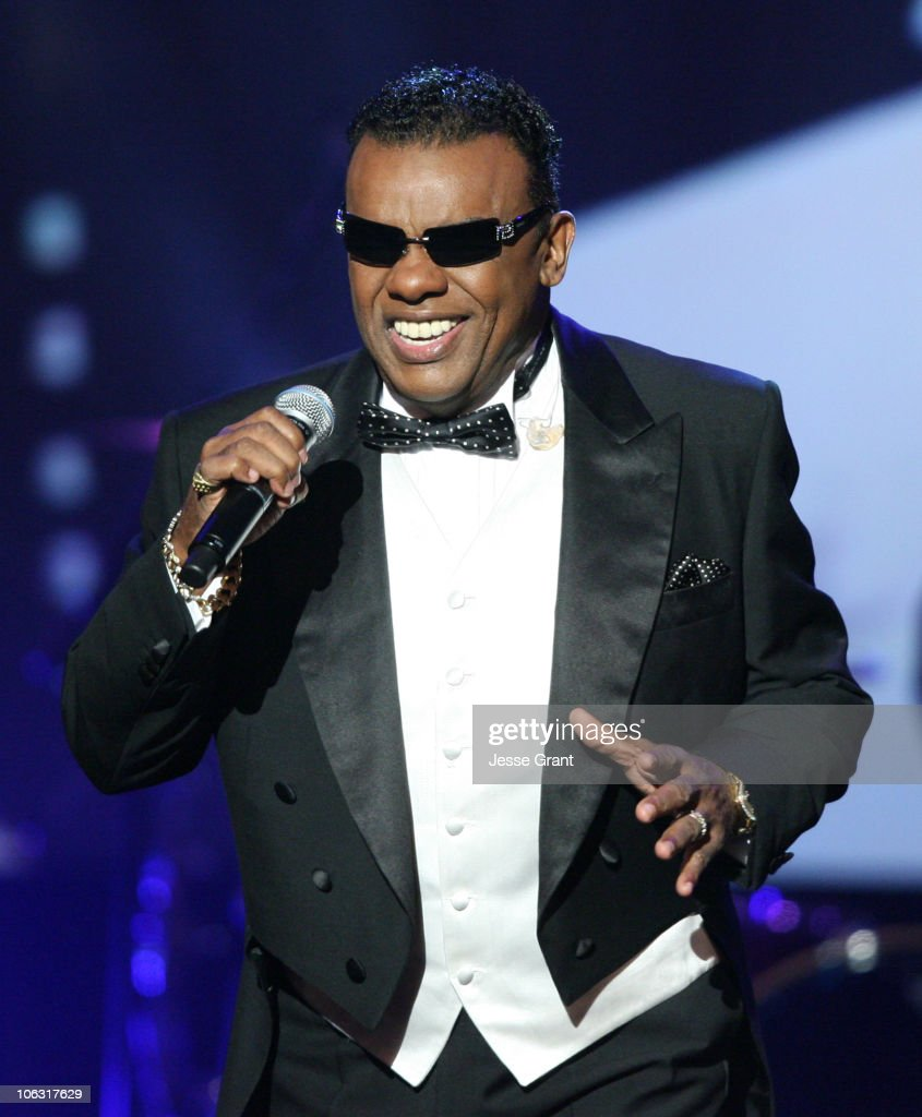 21st Annual Soul Train Music Awards - Show
