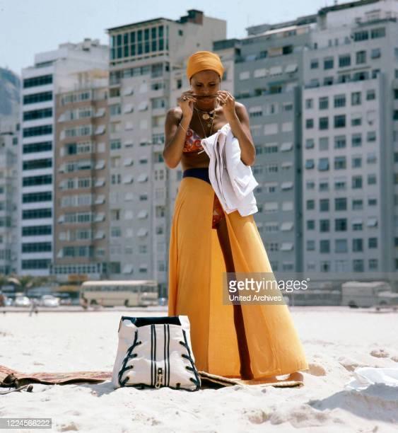 The israeli singer Daliah Lavi is posing at the Copacabana Rio de Janeiro Brazil 1970