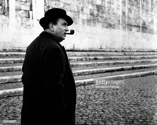The Italian actor Gino Cervi dressing up as police chief Maigret He is promoting the TV serial Le inchieste del commissario Maigret of which he is...