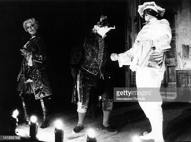 The Italian actors Gianrico Tedeschi and Gianfranco Mauri acting in Carlo Goldoni's comedy 'Harlequin Servant of two Masters' . Italy, 1973
