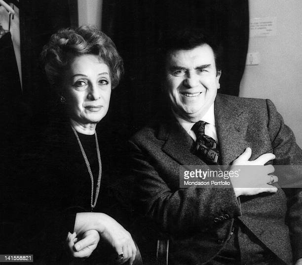 The Italian actors Gino Cervi and Andreina Pagnani resting during a break of the comedy 'Any Wednesday' Milan 1971