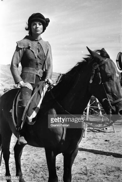 The Italian actress Elsa Martinelli during the filming of the movie `La Araucana', near Madrid Madrid, Castilla La Mancha, Spain. .