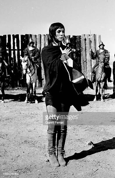 The Italian actress Elsa Martinelli during the filming of the movie `La Araucana' near Madrid Madrid Castilla La Mancha Spain