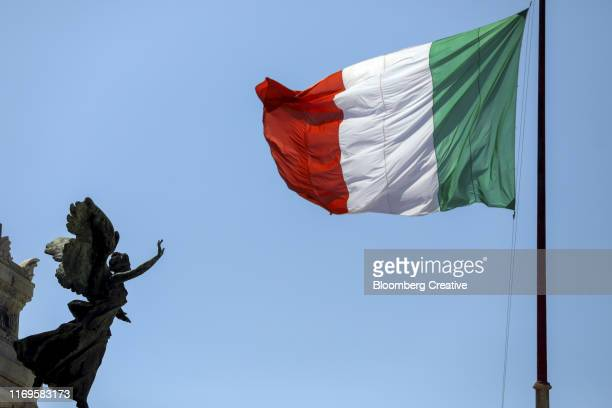 the italian national flag - flagpole sitting stock photos and pictures
