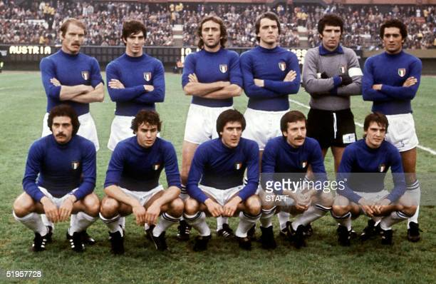 The Italian national soccer team poses before its World Cup second round match against Austria 18 June 1978 in Buenos Aires.
