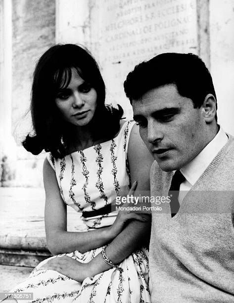 The Italian singersongwriter Edoardo Vianello poses with the Italian actress and singer Marisa Solinas who looks at him June 1962
