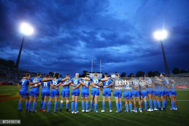 The Italian team forms a line before the 2017 Rugby League World Cup match between Fiji and Italy at Canberra Stadium on November 10 2017 in Canberra...
