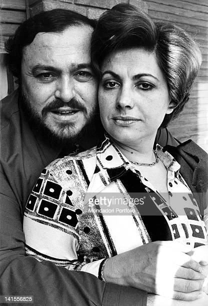 The Italian tenor Luciano Pavarotti embracing Adua Veroni, his first wife. Modena, May 1976