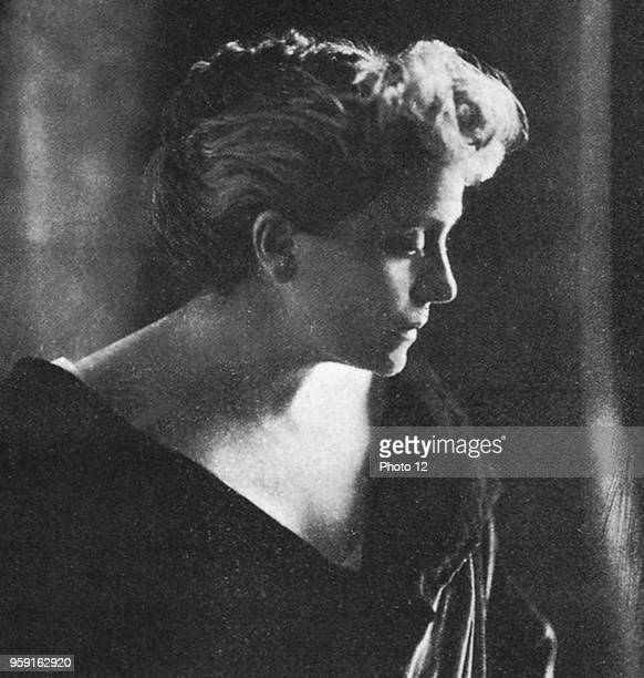 The Italians Eleonora Duse becomes one of the most famous tragic actress of the beginning of the century