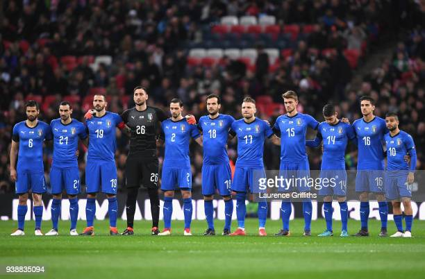 The Italy team observe a minutes silence in memory of Jimmy Armfield Cyrille Regis and Davide Astori prior to the International friendly between...