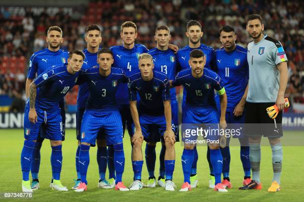 The Italy team pose for a team photo prior to the UEFA European Under21 Championship Group C match between Denmark and Italy at Krakow Stadium on...