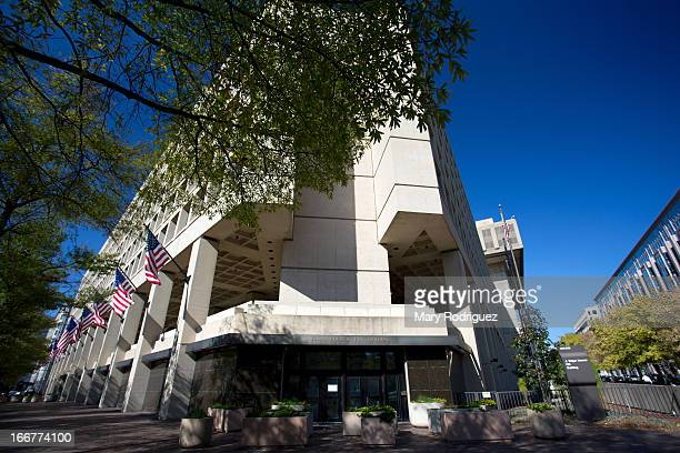 CONTENT] The J Edgar Hoover Building headquarters for the Federal Bureau of Investigation This photo is not an optical illusion this building is...