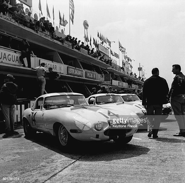 The Jaguar pit during the 24 Heures du Mans Car Race on June 16 1963 in Le Mans France