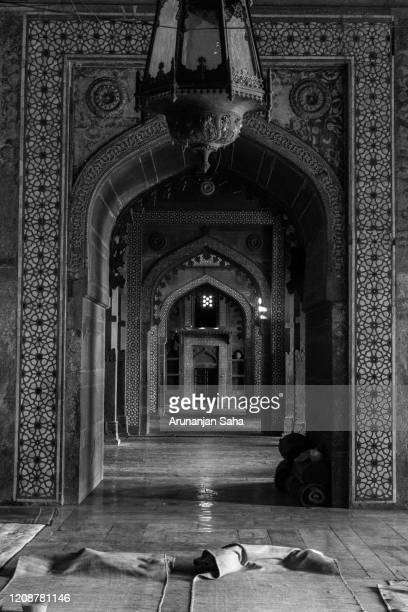 the jama masjid 2: marvels of agra - agra jama masjid mosque stock pictures, royalty-free photos & images