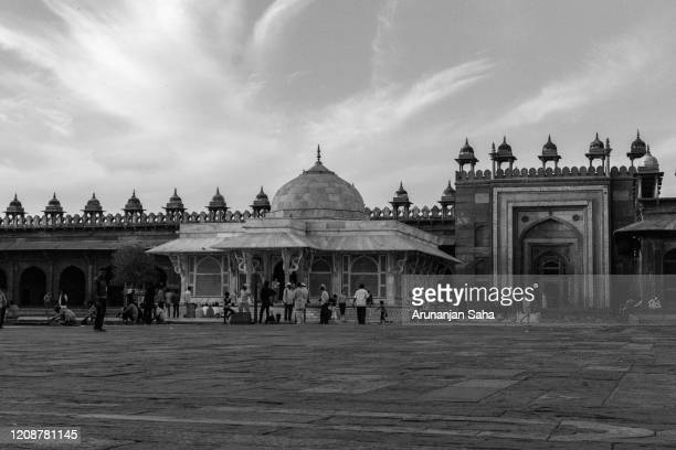 the jama masjid and salim chisti dargah: marvels of agra - agra jama masjid mosque stock pictures, royalty-free photos & images