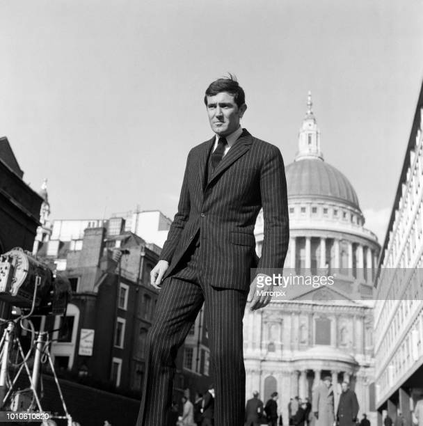 The James Bond film 'On Her Majesty's Secret Service' being filmed outside the Royal College of Arms James Bond is played by George Lazenby Pictured...