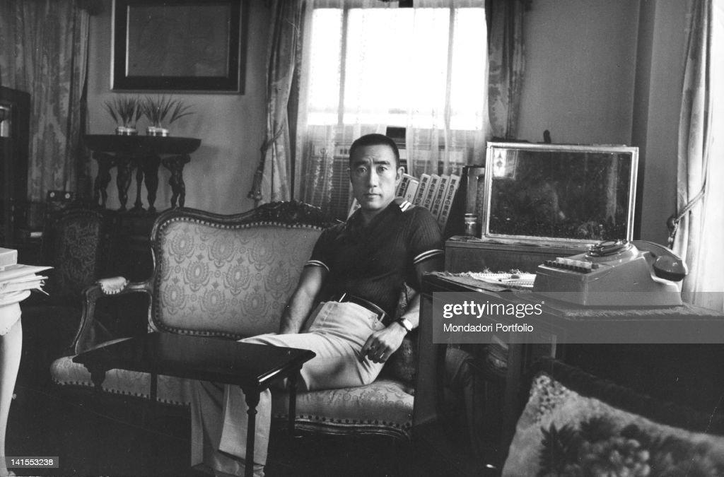 Yukio Mishima In His Home'S Living Room : News Photo