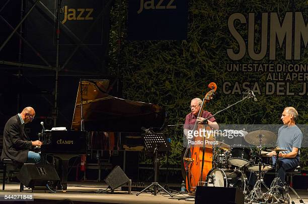 The jazz musicians Dado Moroni, Eddie Gomez and Joe La Barbera they performed live at the Casa del Jazz in Rome with the project: Kind of Bill...