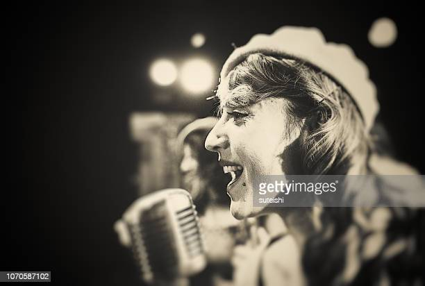 the jazz singer - jazz stock pictures, royalty-free photos & images