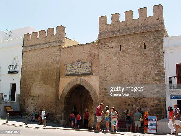 The Jerez Door it is the only door that still remains of the four with which it was counting the Moslem Wall of Tarifa and is one of the most...