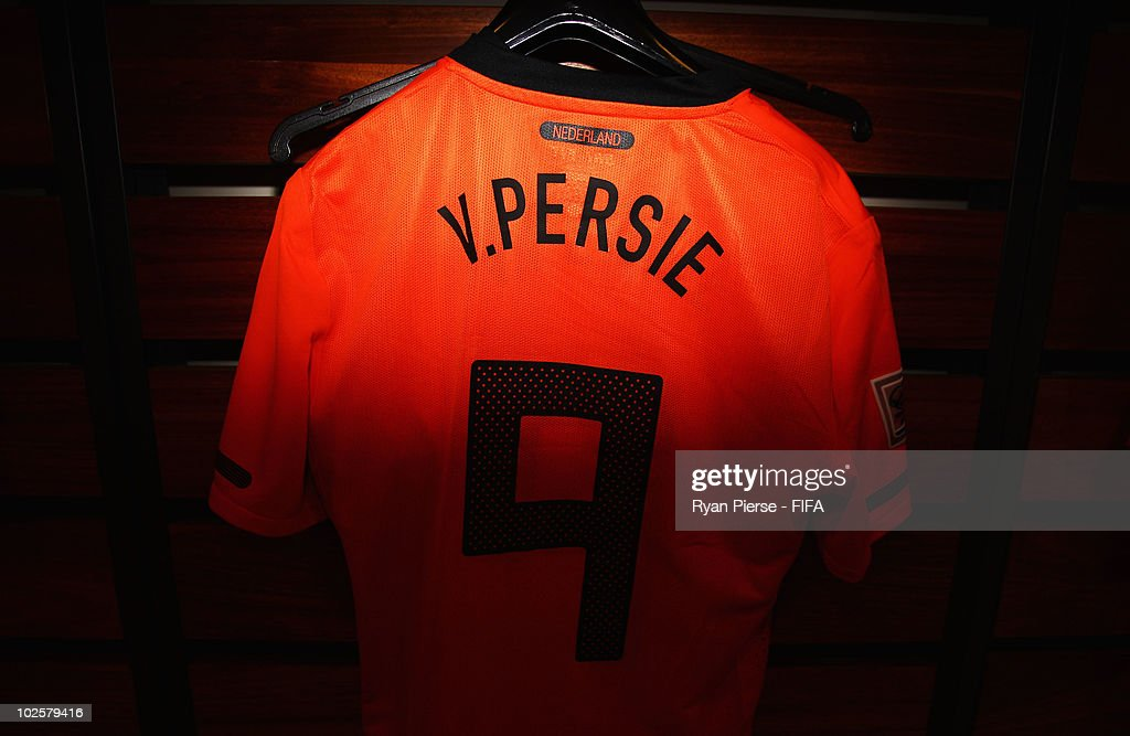 best authentic 2aae1 462e5 The jersey of Robin Van Persie of the Netherlands is ...