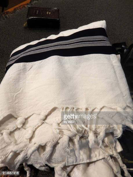 the jewish prayer shawl, ashkenazic tradition - jewish prayer shawl ストックフォトと画像