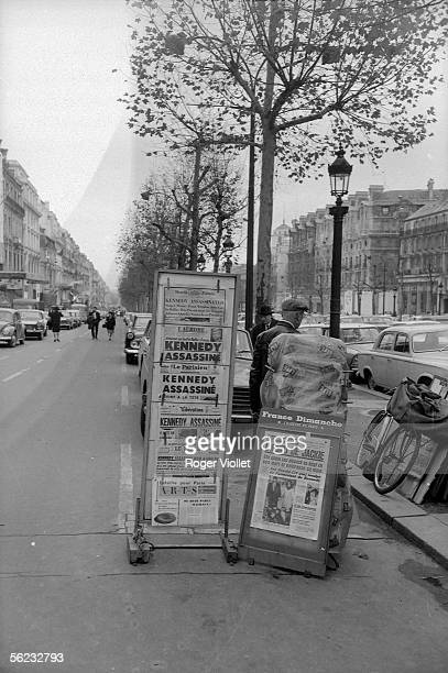 The John Fitzgerald Kennedy murder on the newspapers front page Newsagent on the ChampsElysees Paris 23 novembre 1963 HA1718