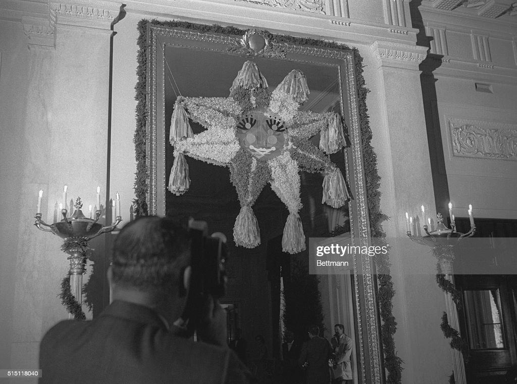 Piñata at White House : News Photo