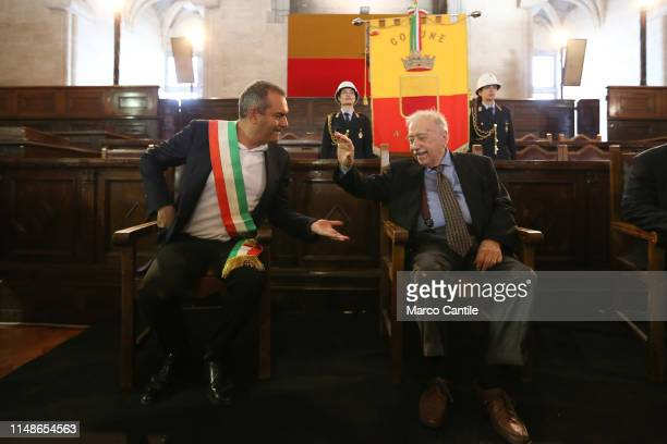 The journalist Gianni Minà during the ceremony for the conferment of honorary citizenship of the city of Naples with the mayor Luigi de Magistris